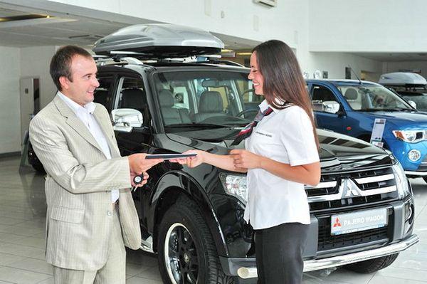 Как правильно выбрать и купить новый автомобиль в салоне?